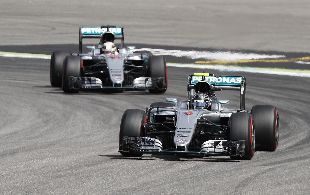 Pole Hamilton a Monza